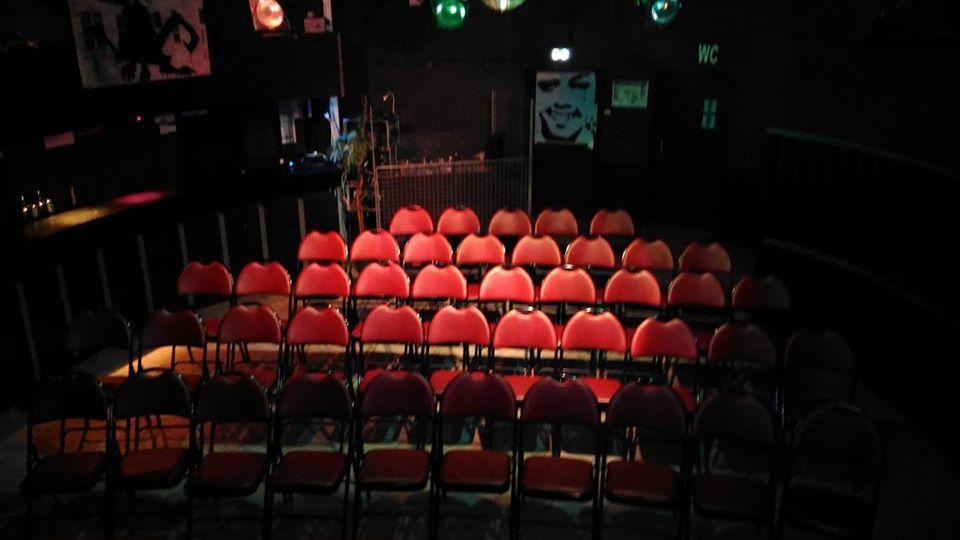 ELF mode cabaret 49 places assises
